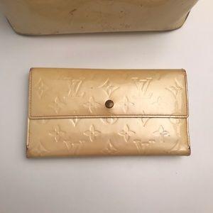 💛Louis Vuitton💛 Authentic Vernis Trifold wallet